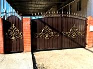 Новинка! Недорогие ворота «Ажурные» зашитые металлом 2мм. Цена 6800р.м2.