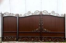 В продаже новая модель ворот с калиткой, зашитые металлопрофилем МП-1. Цена ворот 4300р. м2, калитка 5000р. м2